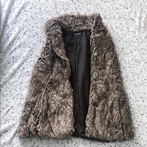 COFFEESHOP faux fur vest size small EUC